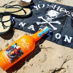 We want to celebrate No Shoes Nation with  the Flip Flop Summer 2019 Commemorative Bottle! 🌴  collection isn't complete without our 2019 commemorative bottle, available in select stores for a limited time! Cocktail Drinks, Alcoholic Drinks, Cocktails, Goin Coastal, No Shoes Nation, Bay Rum, Country Music Artists, Kenny Chesney, Oclock