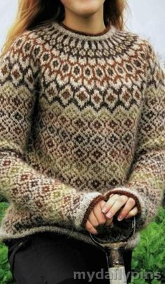 30 Fashionable Winter Sweater For Women - My Daily Pins Winter Sweaters, Sweaters For Women, Neutral Cardigans, Fair Isle Pattern, Fair Isle Knitting, Dressy Outfits, Sweater Fashion, Fair Isles, Fashion Pictures