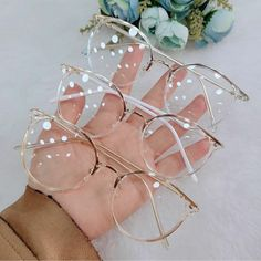 Glasses Frames Trendy, Glasses Trends, Accesorios Casual, Fashion Eye Glasses, Cute Sunglasses, New Glasses, Cute Jewelry, Gifts For Women, Gift Ideas