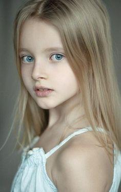 Russian child model Evelina Voznesenskaya.