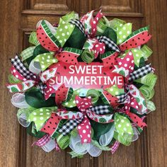 Deco Mesh Garland, Mesh Ribbon Wreaths, Christmas Mesh Wreaths, Door Wreaths, Yarn Wreaths, Winter Wreaths, Floral Wreaths, Spring Wreaths, Mesh Wreath Tutorial