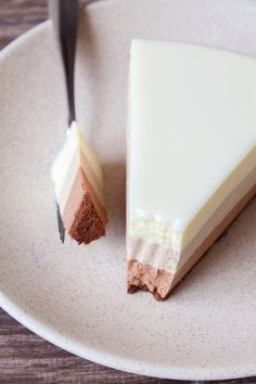 "Торт ""Три шоколада"": birosss — LiveJournal Panna Cotta, Dairy, Cheese, Ethnic Recipes, Food, Dulce De Leche, Essen, Meals, Yemek"