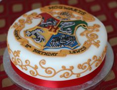Harry Potter Inspired Cake!                                                                                                                                                                                 More