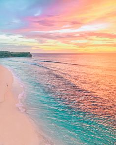 Have you ever seen a beach made of rainbows? is amazingly beautiful Bali Indonesia. Photo by Tag someone you love Whats Wallpaper, Ocean Wallpaper, Summer Wallpaper, Cute Wallpaper Backgrounds, Pretty Wallpapers, Pastel Sunset, Sunset Colors, Beautiful Nature Wallpaper, Beautiful Landscapes