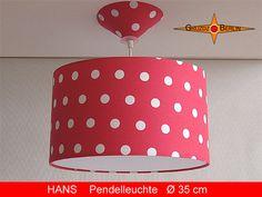 """Leuchte HANS Ø 35 cm Pendellampe mit Diffusor und Baldachin Punkte in rot-weiß. Pendelleuchte Hans ist ein richtiger Blickfang. Und das nicht nur für kleine Menschen. Weiß - rot gepunktet bringt gute Stimmung und Freundlichkeit ins Kinderzimmer (aber auch in jedes """"Erwachsenenzimmer""""."""