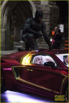 Harley Quinn - Margot Robbie = ben afflecks batman chases jared letos joker suicide squad 05