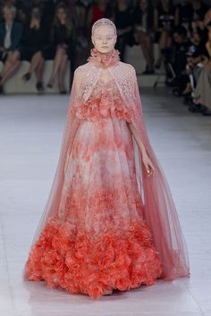 Gown and cape with freshwater pearls for Sansa Stark - Alexander McQueen spring 2012