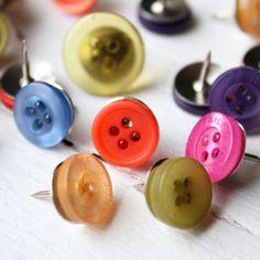 brilliant idea - button push pins / thumb-tacks - yes!