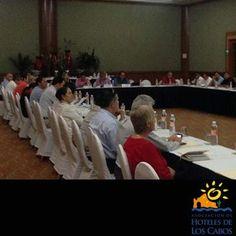 Buenos días, les compartimos una fotografía de nuestra segunda asamblea ordinaria del periodo 2014 llevada a cabo en el Hotel Barceló Grand Faro. Cada mes los gerentes de los hoteles socios se reunen para tratar temas de influencia al destino. #AHLC