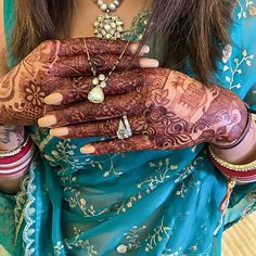17 Things We Loved About Priyanka Chopra & Nick Jonas' Wedding! - The Urban Guide Mangalsutra Bracelet, Diamond Mangalsutra, Gold Mangalsutra Designs, Gold Jewellery Design, Gold Jewelry, Diamond Jewelry, Beaded Jewelry, Fancy Jewellery, Gold Necklaces