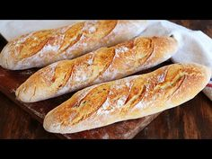 BAGUETTE | Pan Francés con Corteza Dorada y Crujiente! - CUKit! - YouTube Artisan Bread Recipes, Baking Recipes, Cake Recipes, Home Made Puff Pastry, Mallorca Bread, Biscuits, Golden Crust, French Baguette, Pan Dulce