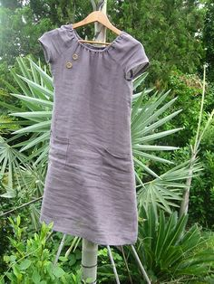 Built by Wendy Simplicity pattern . Linen