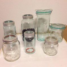 """""""Jeg har tatt vare på ulike størrelser av #norgesglasset og #løveglass. Bruker Norgesglassene til syltetøy , kirsebærlikør og likørbær. Det høye…"""" Mason Jars, Glass, Instagram Posts, Drinkware, Corning Glass, Mason Jar, Yuri, Glass Jars, Jars"""