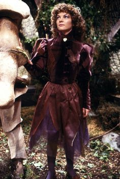 80s companion Nyssa, played by Sarah Sutton, first appeared on this day in 1981… http://bbc.in/1UAegtY #DoctorWho