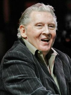 An older Jerry Lee Lewis - Great Balls Of Fire Country Musicians, Country Music Artists, Country Music Stars, Country Singers, Jerry Lee Lewis, Classic Singers, Famous Singers, Famous Men, Music Icon