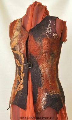валяный жилет `Листья жгут`. Жилет был сделан под заказ. Возможен повтор с вариациями. Добавлено в галерею коллекций: www.livemaster.