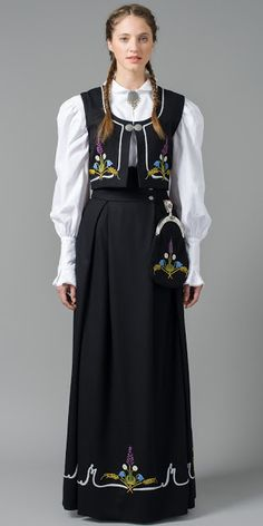 Hello all, Part three of this overview is forthcoming. I was asked about the costumes of Trondelag, and so I wrote this one fi. Ethnic Outfits, Ethnic Dress, Norwegian Clothing, Native Wears, Tromso, Malang, Folk Costume, Beautiful Blouses, Ethnic Fashion