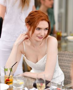 Poldark actress Eleanor Tomlinson serves up more than she intends at Wimbledon Eleanor Tomlinson, Beautiful Red Hair, Gorgeous Redhead, Beautiful Celebrities, Most Beautiful Women, Red Headed League, Red Hair Woman, Demelza, Natural Redhead
