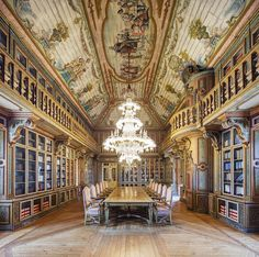 Architectural Photographer Captures Beautiful Libraries Around the World