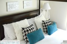 Cute pictures for over your bed. #easydiy #diycouples #diyhome #diydecor #diy #makeit