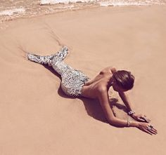 While some ocean-themed editorials simply allude to mermaids with sequinned gowns, bronze skin and wet hair, the Vogue Spain 'El Canto De La Sirena' cover shoot at one point features an actual mermaid tail--albeit a fake one. Real Mermaids, Mermaids And Mermen, Mermaids Exist, Rikki H2o, Photos Bff, Beach Photos, Vogue Spain, Merfolk, Beach Bum
