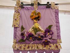 Magie di cera e di stoffa: Papera Violetta, copri forno e porta dolci