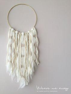 Wallhanging / Dreamcatcher by WeavingMeAway on Etsy Tassel Necklace, Crochet Necklace, Woven Wall Hanging, Modern Wall Art, Fabric Art, Fiber Art, Weaving, Arts And Crafts, Fancy