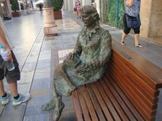 Cartagena, mujer sentada.