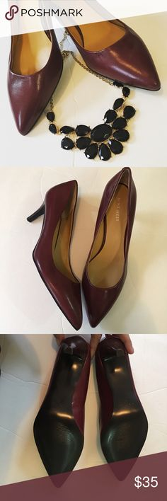 New Nine West Maroon Heels New with out Box. Please look at one of the shoes has a small flaw in the front from storage. Other than that, they are new. Size 7 1/2 Nine West Shoes Heels