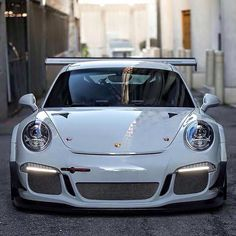 Porsche 911 - US Trailer would like to rent used trailers in any condition to or from you. Contact USTrailer and let us rent your trailer. Click to http://USTrailer.com or Call 816-795-8484