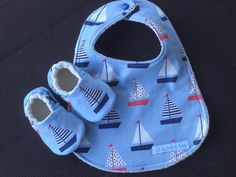 Baby Gift Set Baby bib Baby Shoes Sail Boats Baby Boy Blue Nautical baby Bib and Baby Slippers - Baby Boy Shoes - Ideas of Baby Boy Shoes Baby Girl Sandals, Baby Boy Shoes, Baby Booties, Baby Boy Outfits, Baby Shoes Pattern, Baby Patterns, Nike Shoes For Boys, Baby Sewing Projects, Baby Necessities