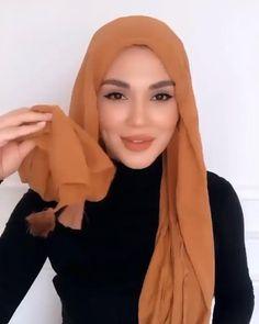 Modern Hijab Fashion, Street Hijab Fashion, Hijab Fashion Inspiration, Mode Inspiration, Muslim Fashion, Hijab Turban Style, Mode Turban, Hijab Style Dress, Simple Hijab Tutorial
