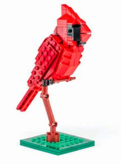 Build a gorgeous cardinal out of LEGOs with Birds from Bricks! Brick Projects, Lego Projects, Legos, Crafts To Do, Arts And Crafts, Lego Animals, Lego Boards, Northern Cardinal, Cardinal Birds