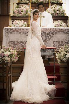 Isabella Santoni posa de noiva como Letícia de 'A Lei do Amor'