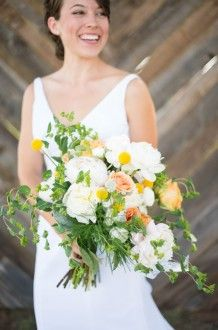 fresh white and yellow blooms | Michelle Boyd Photography