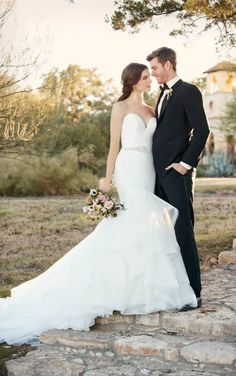 D2027 Fit and flare wedding dress with sweetheart neckline by Essense of Australia