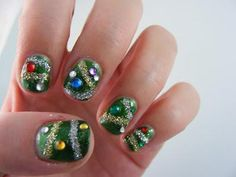 I'm going to put this on one of my nails for Christmas too cute - silver glitter only