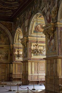 Salle de bal    Château de Fontainebleau--hunting lodge of the Bourbons - 55 miles from Paris