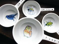 Adorable hand-painted ceramic measuring cups