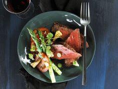 Litt sunnere biffsalat Grill Pan, Grilling, Kitchen, Recipes, Cucina, Cooking, Griddle Pan, Crickets, Rezepte
