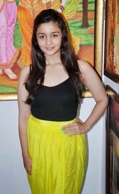 alia bhatt hot pic in yellow dress