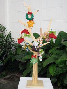 Enfeitinhos de feltro para o Natal (clique na foto e confira).
