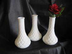 Vases   milk glass   ( 3 ) de la boutique Roselynn55 sur Etsy