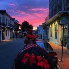 During a History & Haunts Carriage Tour of Old New Orleans the carriage driver Fiona realizes how amazing the sunset is. Everyone can captured the moment with a picture and that photo is beautiful! #Repost @fisamasi  Mother Nature is smiling on New Orleans this evening.  #NewOrleans #Sunset #NOLA #nature #sundown #skyfire #wow #Louisiana #takeatour #tourguide #Chicory #Mule #RoyalCarriages #carriagemule #bows #beauty #Red #HauntsAndHistoryTour