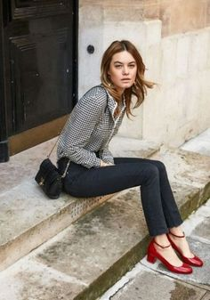 What Our French Fashion Friends Do and Don't Shop for at Zara - Chic French Style - Red shoes outfit - Fashion Mode, Work Fashion, Fashion Outfits, Fashion Heels, Fashion 2018, Red Fashion, Womens Fashion, Spring Fashion, Style Fashion