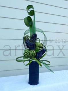 Artiflax Flax Flowers for the best Wedding Bouquets, Wedding Cake Toppers, Corporate Gifts. Contemporary Flower Arrangements, Tropical Flower Arrangements, Creative Flower Arrangements, Ikebana Arrangements, Tropical Flowers, Purple Flowers, Centrepieces, Flax Flowers, Flower Show