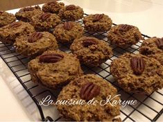 Good Morning banane   Portions: 18 galettes  Coût approximatif: 0,35 $ / galette  Source: Madame Labriski, ces galettes dont tout... Healthy Life, Healthy Living, Biscuits, Great Recipes, Healthy Recipes, Cookie Recipes, Muffins, Madame, Food And Drink