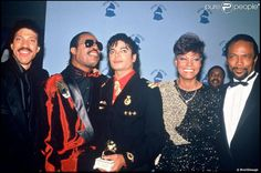 MJ, singers Lionel Richie, Stevie Wonder, Dionne Warwick and producer Quincy Jones at the 28th Grammys Awards Shrine Auditorium Los Angeles February 25 1986