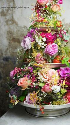 Ulrich Stelzer – Flowers & Design www. Bunch Of Flowers, Fresh Flowers, Beautiful Flowers, Beautiful Flower Arrangements, Floral Arrangements, Deco Floral, Floral Centerpieces, Flower Designs, Flower Art