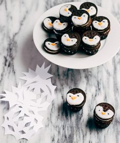 Oreo Penguin Cupcakes: A Cute Arctic-Themed B-Day Treat  http://www.babble.com/best-recipes/oreo-penguin-cupcakes/